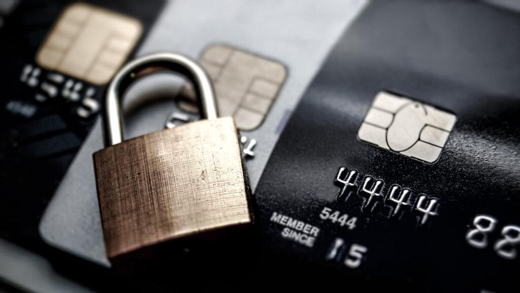 Portafogli con protezione RFID: proteggi subito bancomat e carte di credito